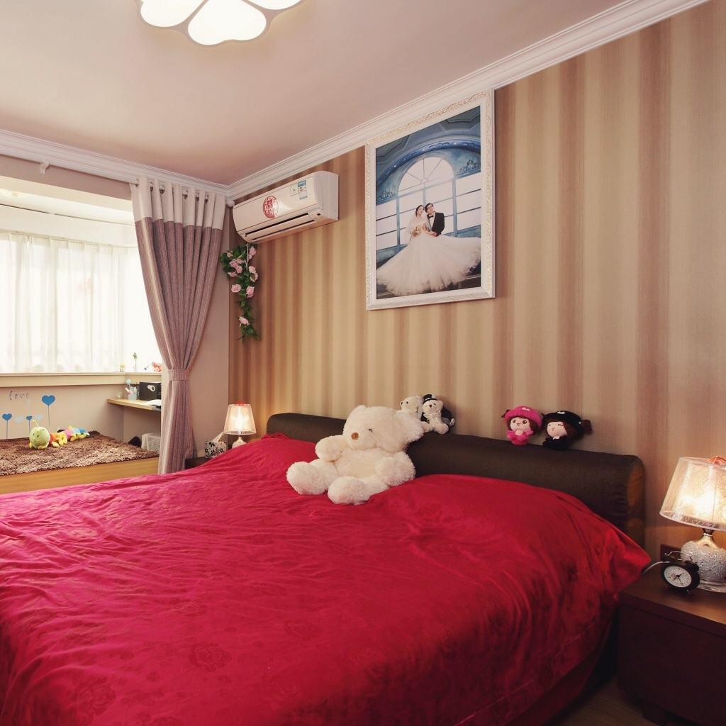 温馨浪漫日式卧室效果图