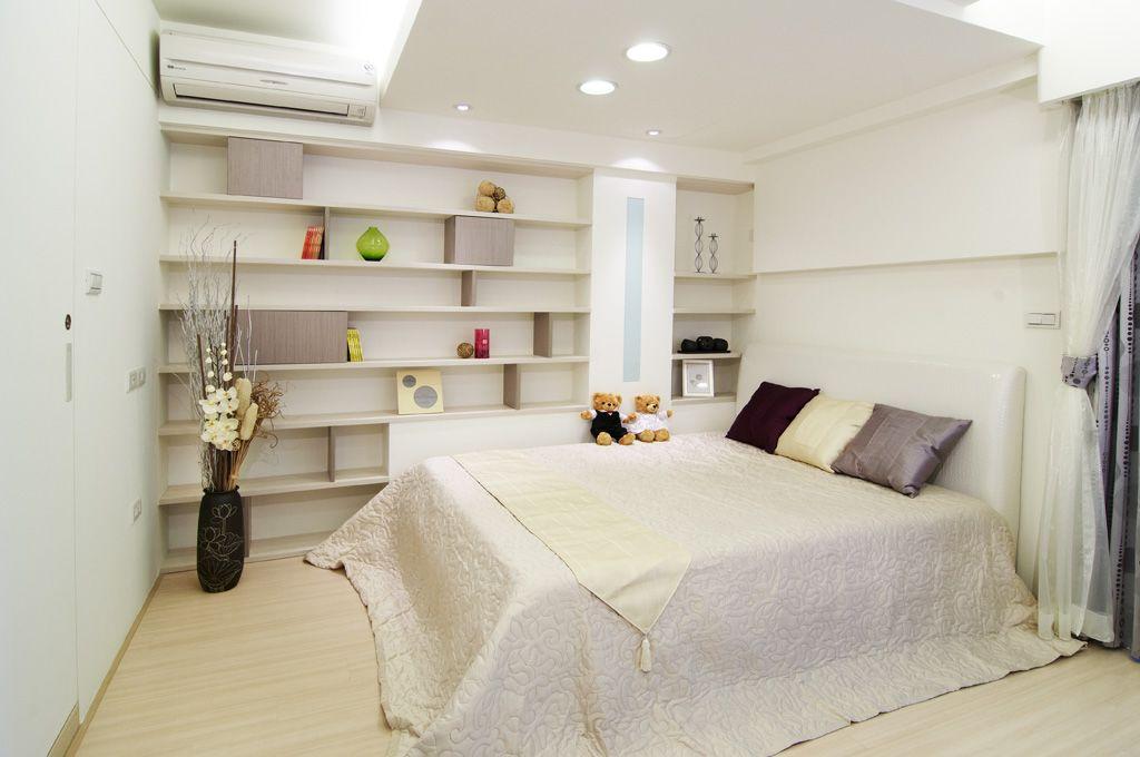 纯净简约 卧室墙面嵌入式置物架设计