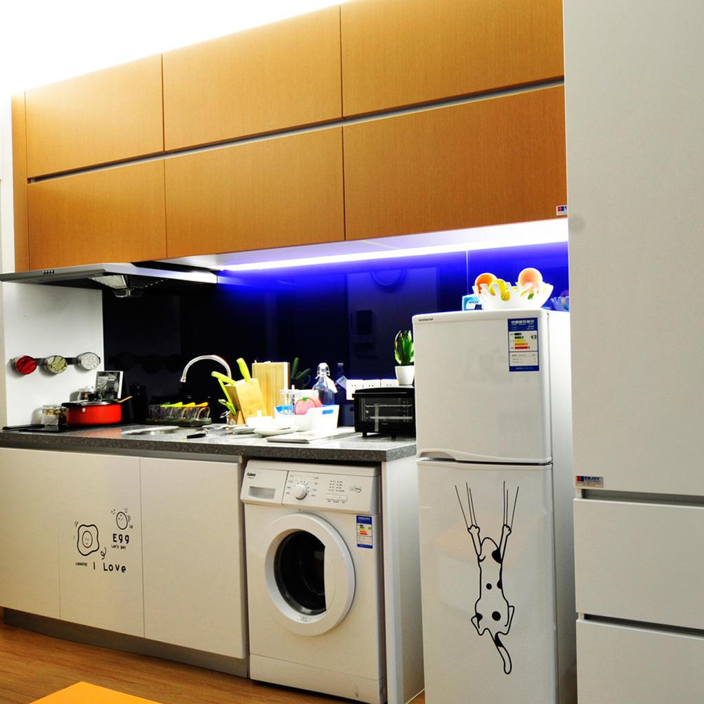 现代小户型厨房效果图