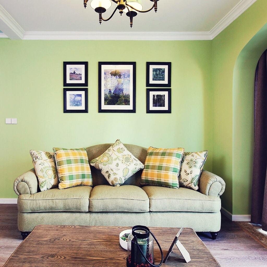美式田园客厅相片墙设计