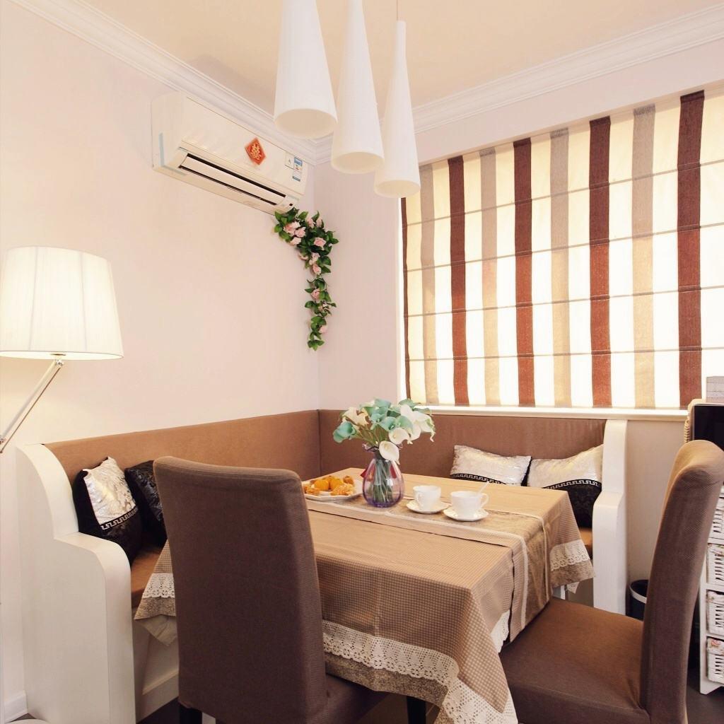 日式卡座餐厅窗帘效果图