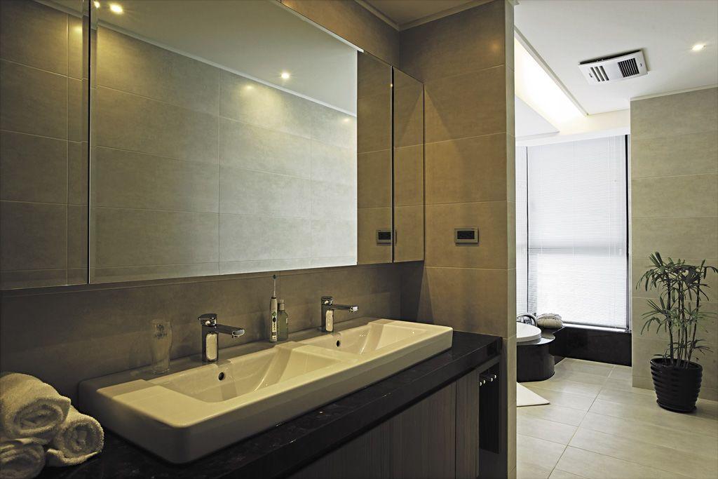 素雅现代卫生间室内隔断设计
