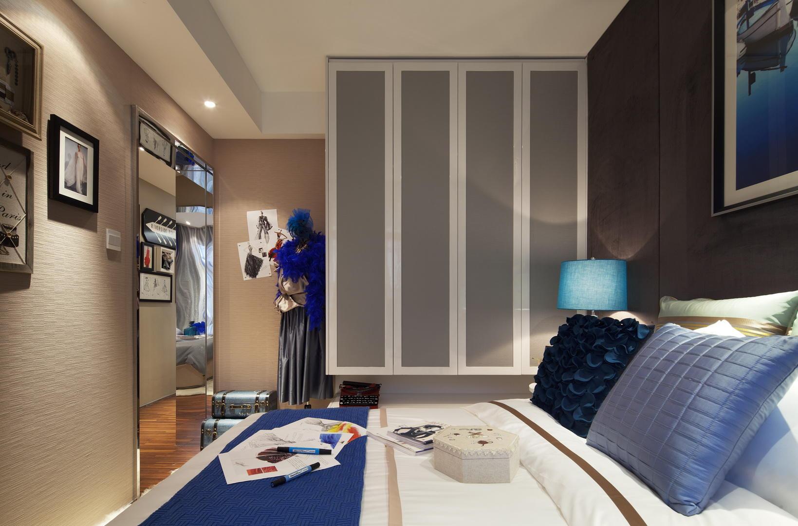 时尚美式卧室 悬挂式衣柜效果图