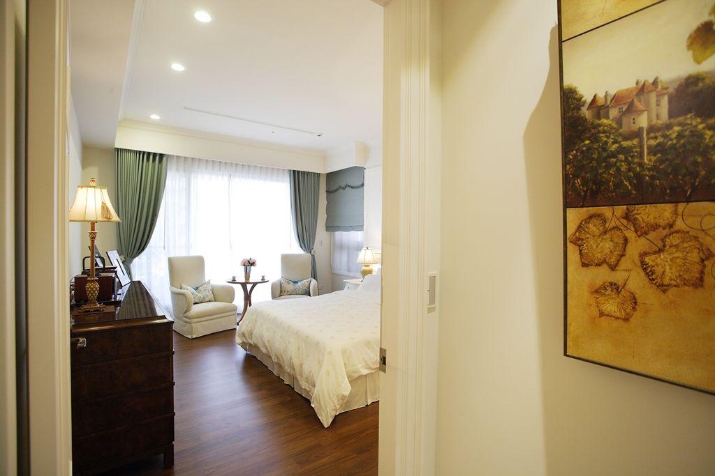 唯美美式风格卧室窗帘装饰