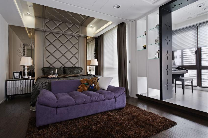 时尚混搭卧室紫色沙发装饰图