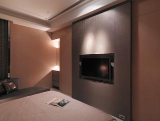 现代卧室 咖色电视背景墙设计
