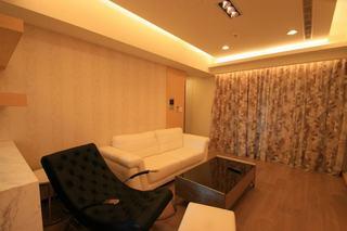 48平暖咖色日式公寓设计图