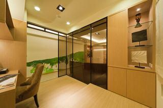 现代家居书房玻璃门隔断设计