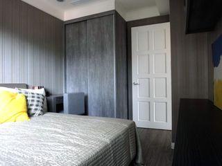 家居卧室现代风格白色门装饰效果图