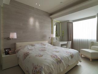 浅灰色简约卧室装潢图