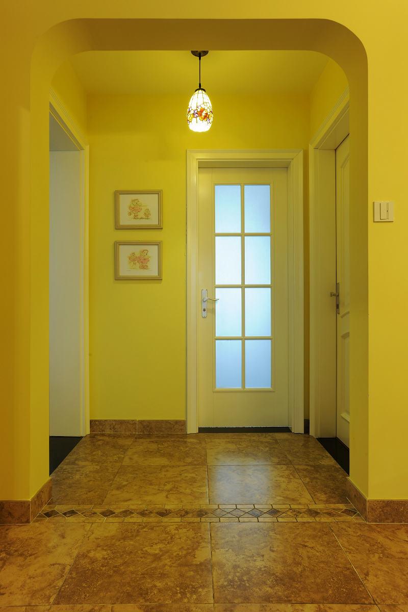 优雅温馨美式家居玄关吊灯装饰效果图
