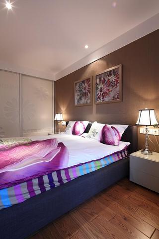 时尚现代风卧室背景墙布置