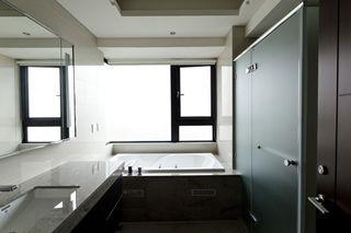 现代家居卫生间窗户设计
