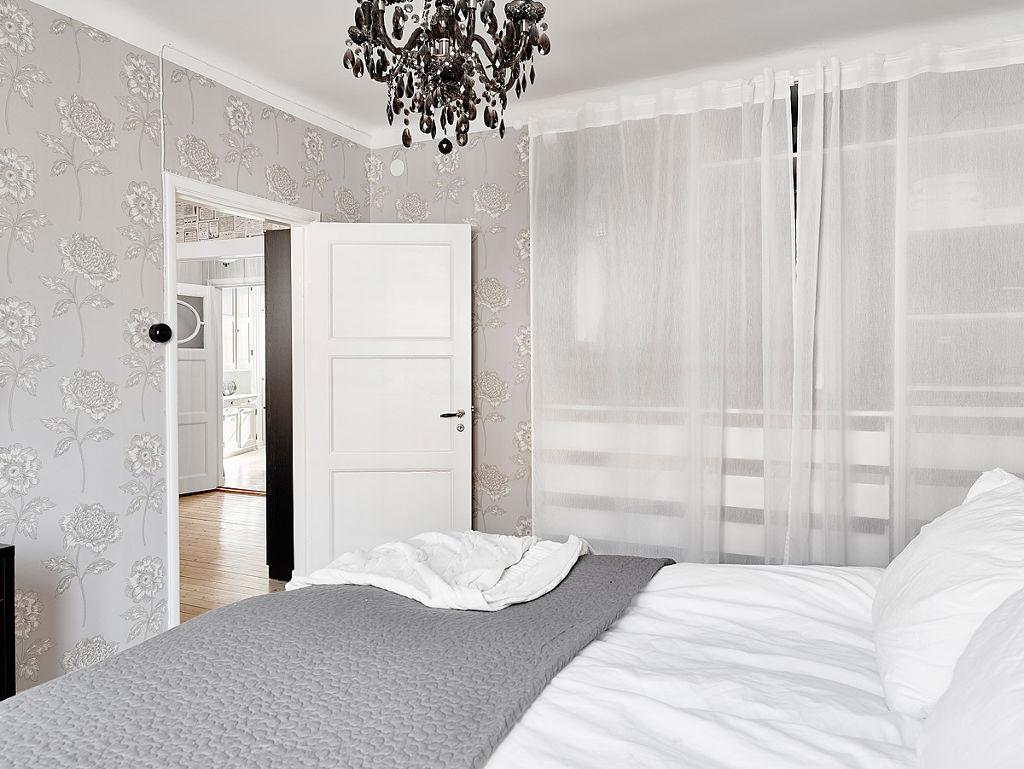 简洁北欧卧室白色门装饰效果图