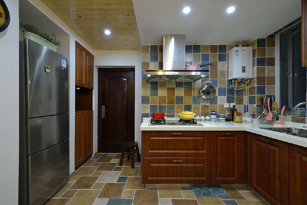 美式乡村风格厨房装饰效果图