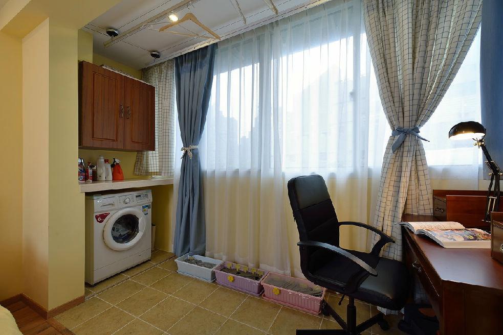 美式家居室内阳台窗帘装饰图