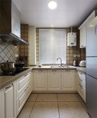 休闲美式U型厨房集成吊顶装修效果图