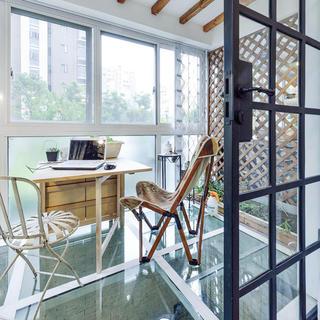 最新现代设计 封闭式玻璃阳台欣赏