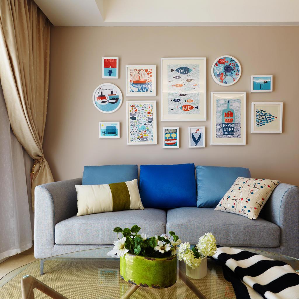 清新地中海沙发照片墙设计