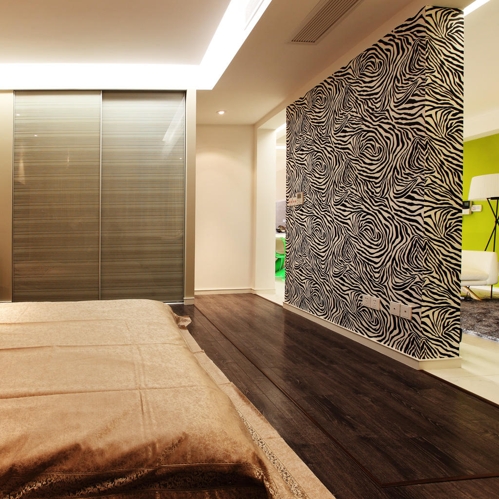 日式简约卧室隔断墙装饰图