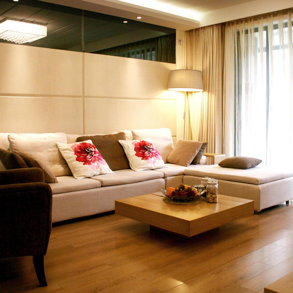 温馨现代风客厅沙发效果图