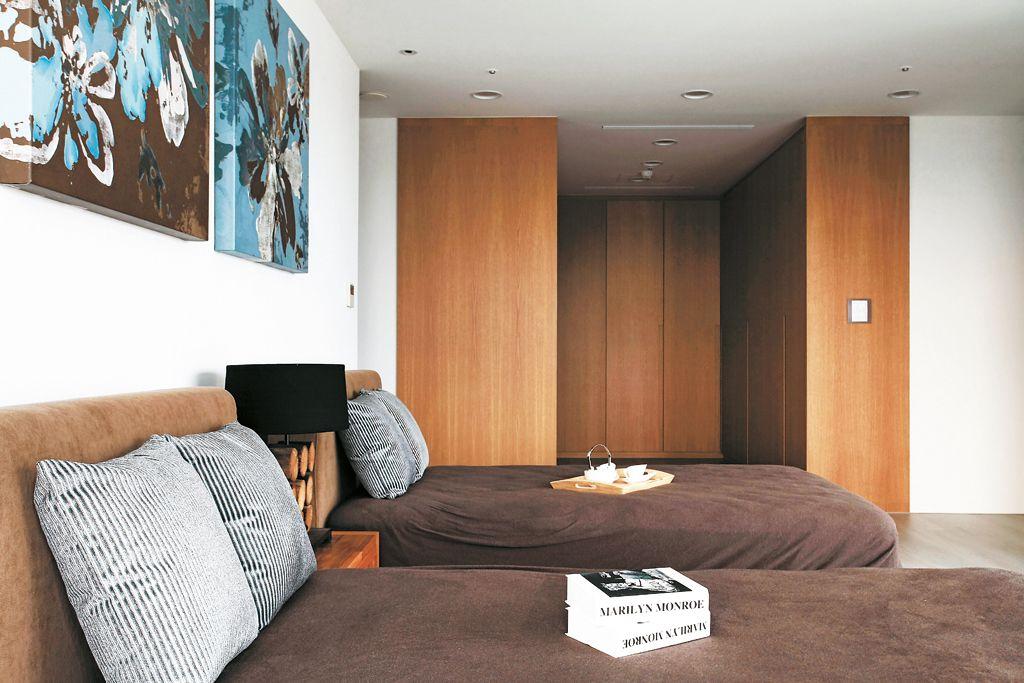 复古美式双人床小卧室设计