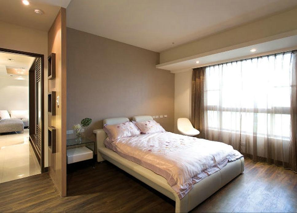 时尚简中式卧室隔断设计