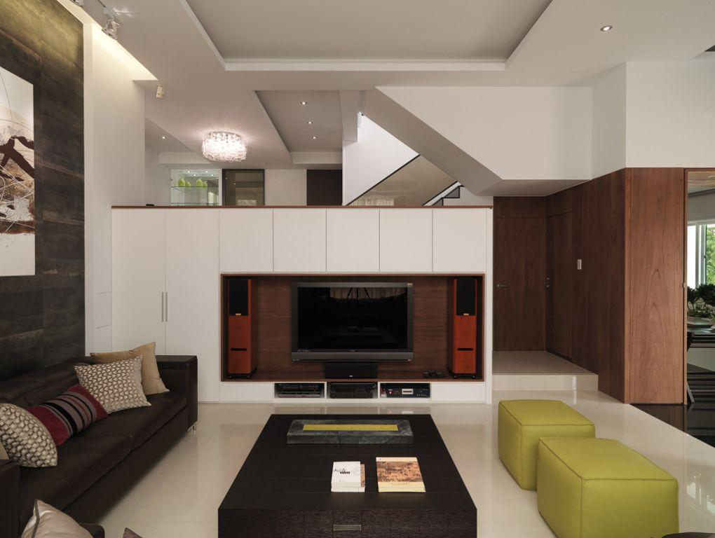 现代简约别墅 小客厅电视墙设计