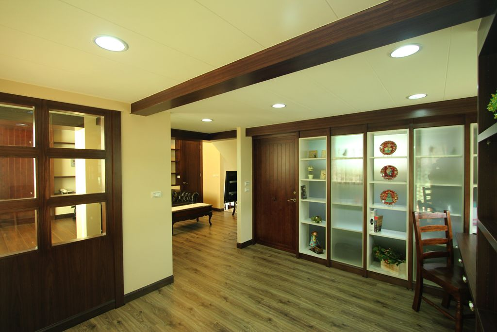 休闲美式家居博古架设计