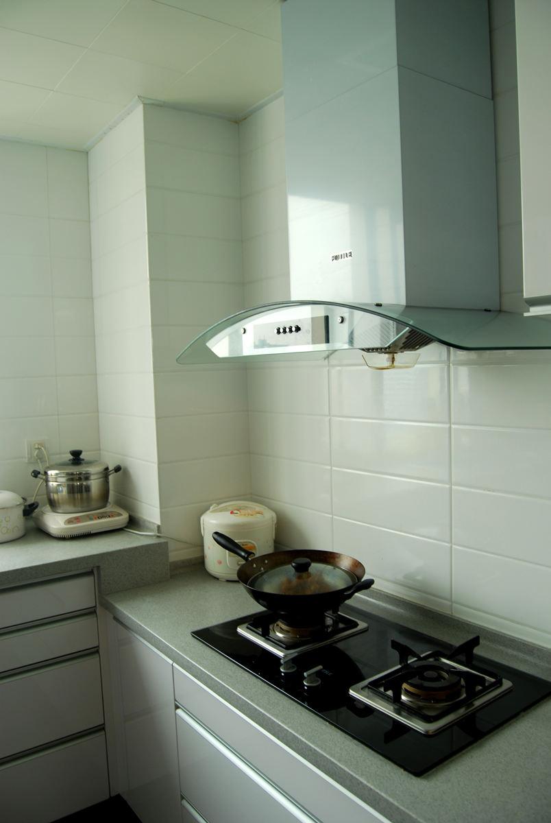 清新简约厨房装饰效果图