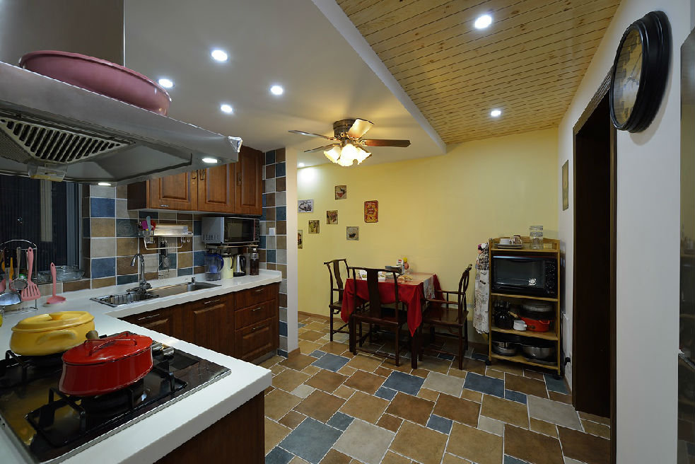 美式乡村装饰风格餐厨房吊顶效果图
