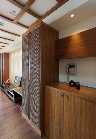 古朴东南亚风情玄关柜子设计
