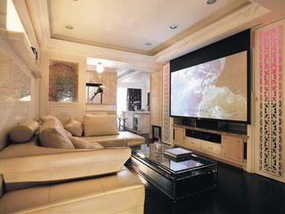 时尚现代简约 客厅黑色地板装饰