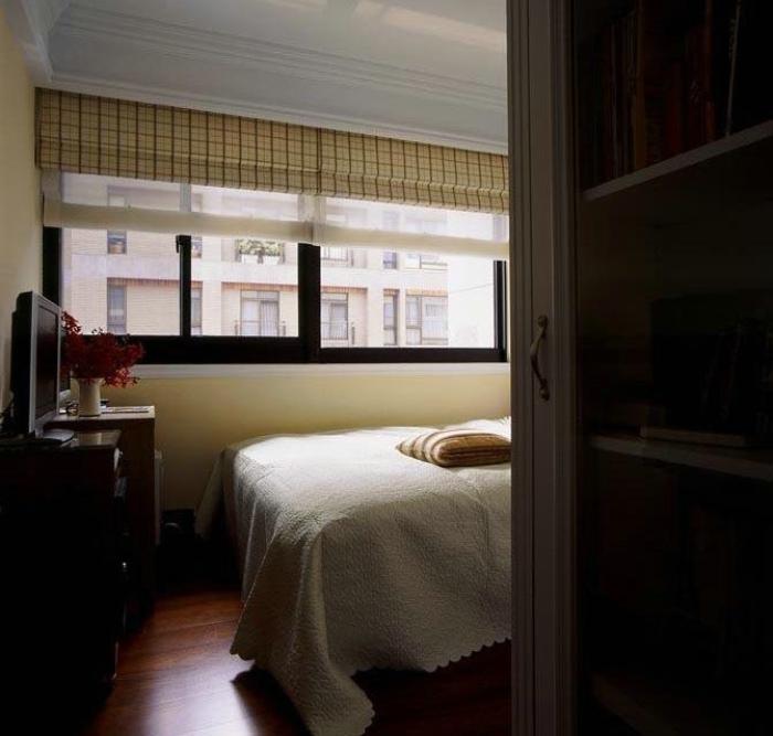 休闲宜家风卧室窗帘效果图