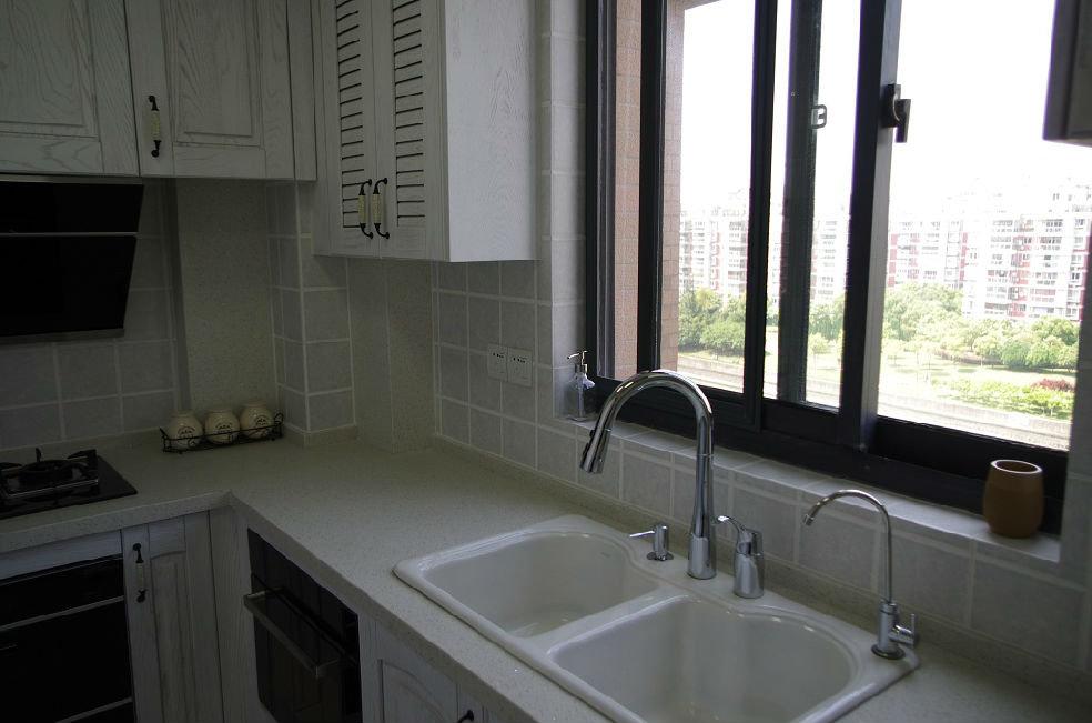 美式现代设计装潢风格厨房水龙头安装