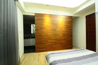 宜家卧室实木背景墙效果图
