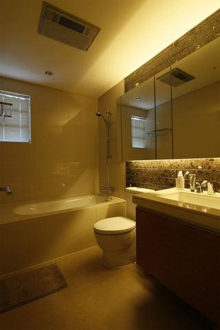 简约美式设计卫生间效果图