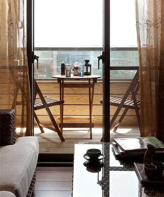 休闲美式风格家居阳台实木装饰效果图