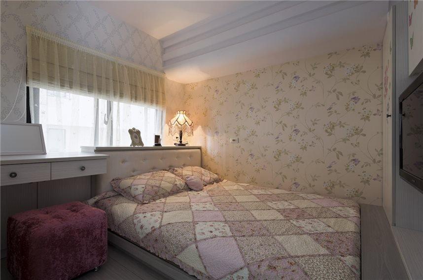 简约现代卧室墙纸效果图