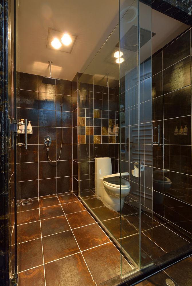 现代2平米淋浴房效果图