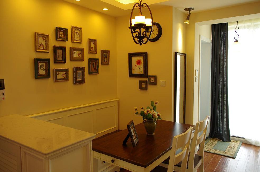 美式乡村风格餐厅相片墙装潢效果图