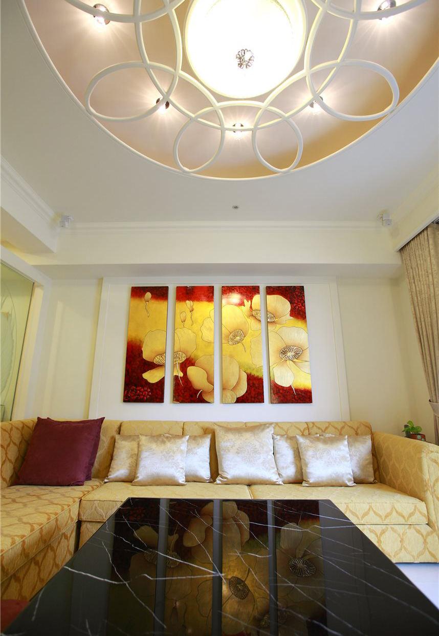时尚唯美简中式 沙发照片墙设计