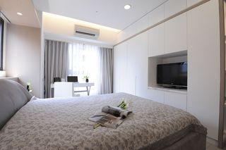 纯净简约风格卧室电视柜衣柜组合设计