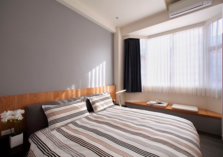 简约现代卧室飘窗窗帘装饰