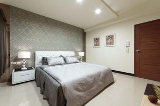 素雅新古典卧室背景墙设计