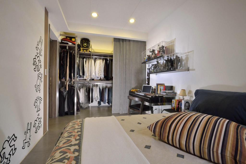 现代卧室衣帽间隔断设计