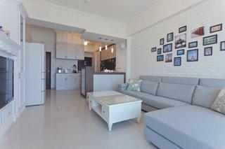 温馨简约宜家 客厅照片墙设计