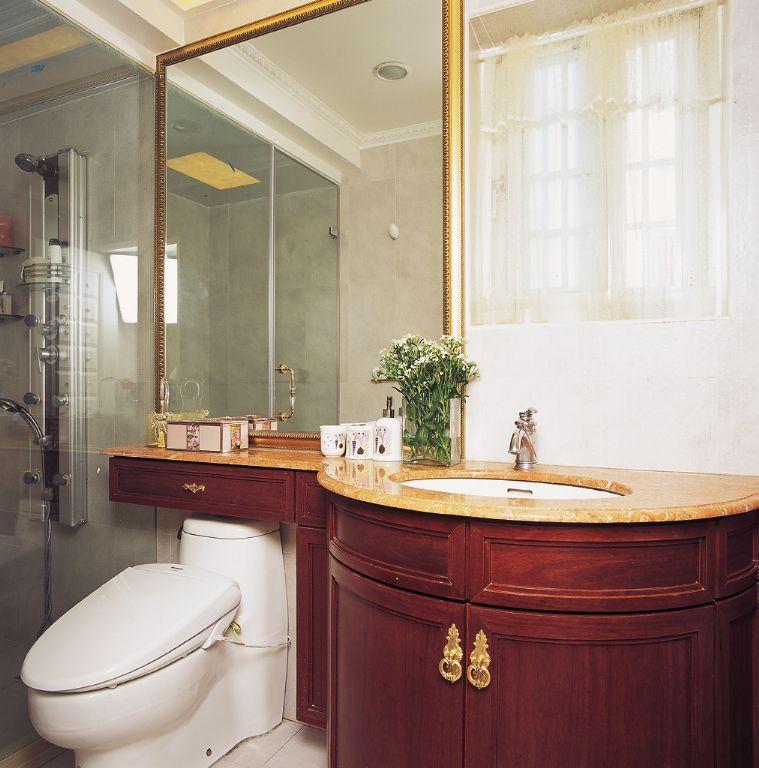 复古美式卫生间 弧形洗手台设计