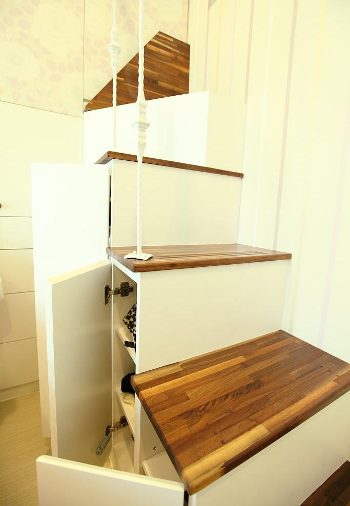 简约时尚现代创意楼梯下方鞋柜设计