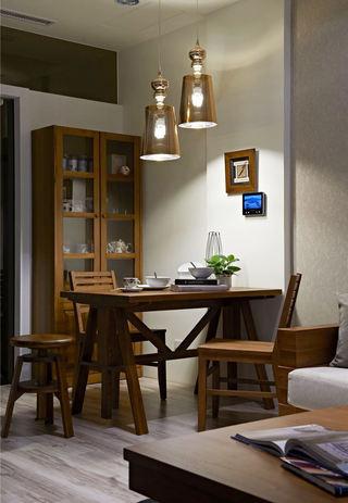 休闲日式实木小餐厅设计